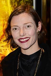 Aktori Camilla Rutherford
