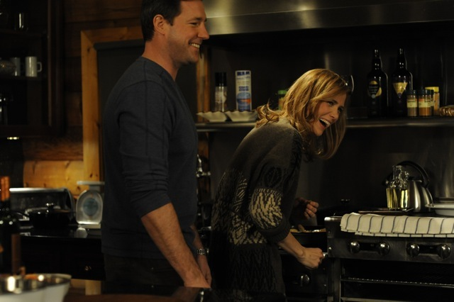 Edward Burns and Kristen Wiig in Friends with Kids (2011)