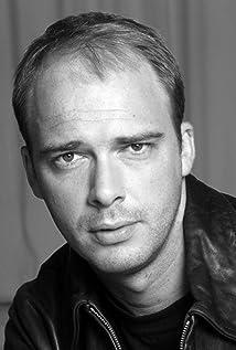 Aktori Ben Anderson