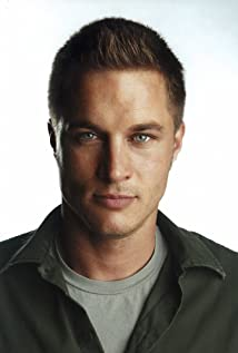 Travis Fimmel Picture