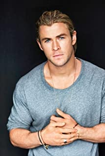 Aktori Chris Hemsworth