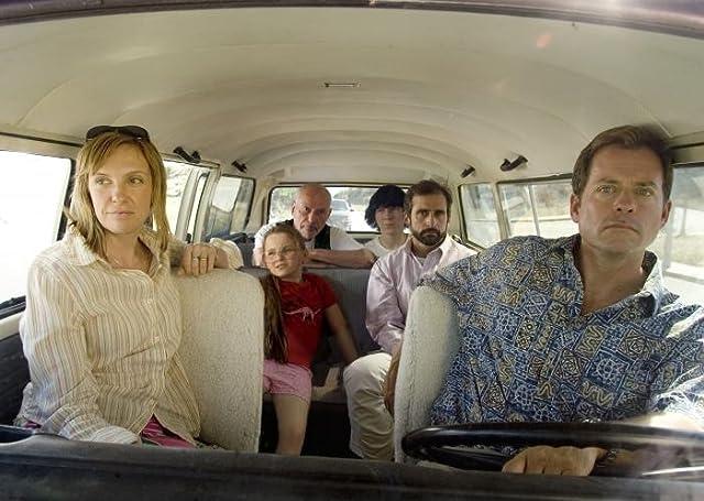 Alan Arkin, Toni Collette, Greg Kinnear, Steve Carell, Paul Dano, and Abigail Breslin in Little Miss Sunshine (2006)