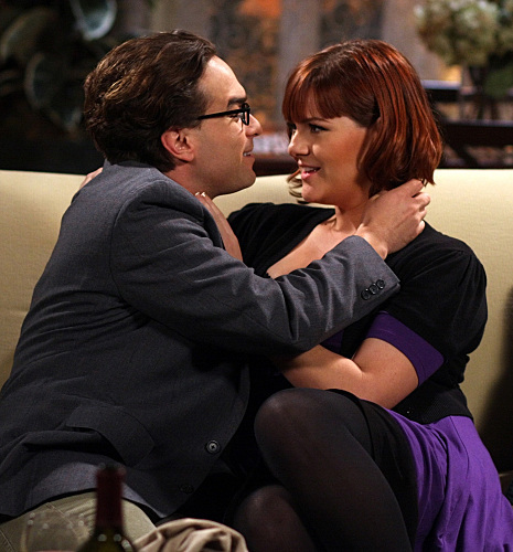 Johnny Galecki and Sara Rue in The Big Bang Theory (2007)