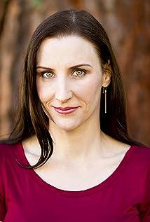 Aktori Megan Franich