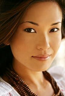 Aktori Lauren Shiohama