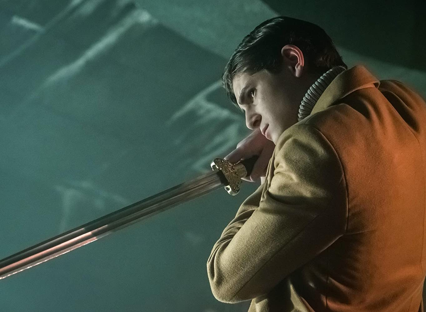 Gotham S03E17 – Heroes Rise: The Primal Riddle