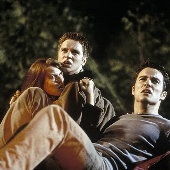 Devon Sawa, Ali Larter, and Kerr Smith in Final Destination (2000)