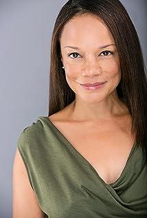 Aktori Vivian Fleming-Alvarez