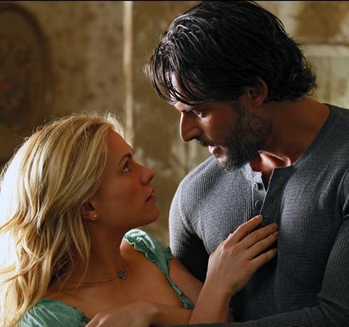 Anna Paquin and Joe Manganiello in HBO's TRUE BLOOD