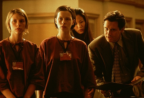 Claire Danes, Kate Beckinsale, Bill Pullman, and Jacqueline Kim in Brokedown Palace (1999)