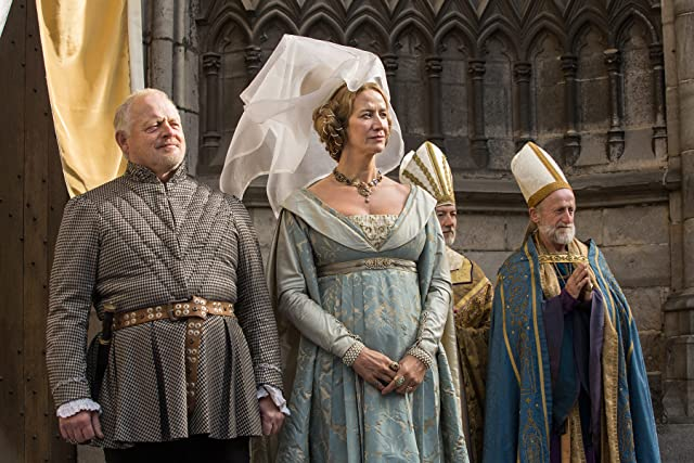 Janet McTeer and Robert Pugh in The White Queen (2013)
