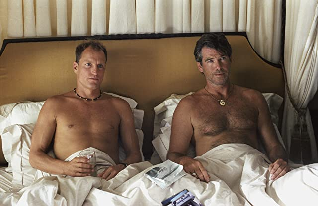 Pierce Brosnan and Woody Harrelson in After the Sunset (2004)