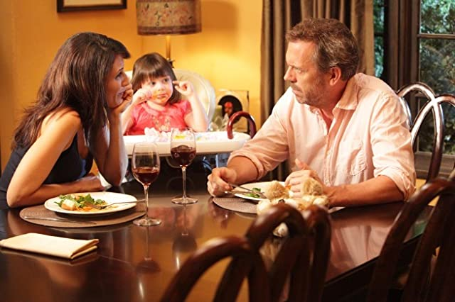 Lisa Edelstein and Hugh Laurie in House (2004)