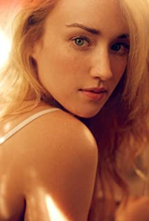 Ashley Johnson Picture