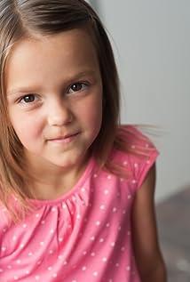 Aktori Abbie Magnuson