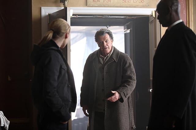 John Noble, Lance Reddick, and Anna Torv in Fringe (2008)