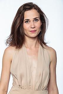 Aktori Iulia Lumânare