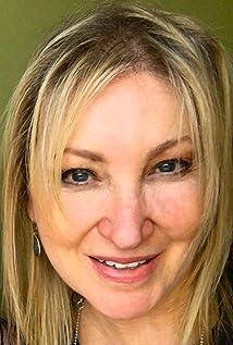 Karen Janszen Picture
