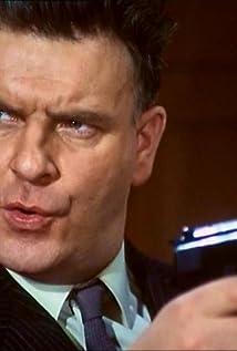 Aktori Godfrey Quigley