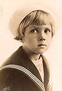 Georgie Stone Picture