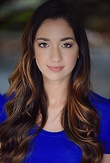 Aktori Lauren Farmer