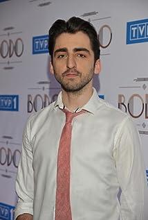 Aktori Piotr Zurawski