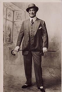 Hale Hamilton Picture