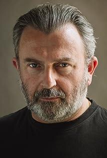 Aktori Nigel O'Neill