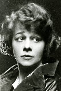 Pauline Lord Picture