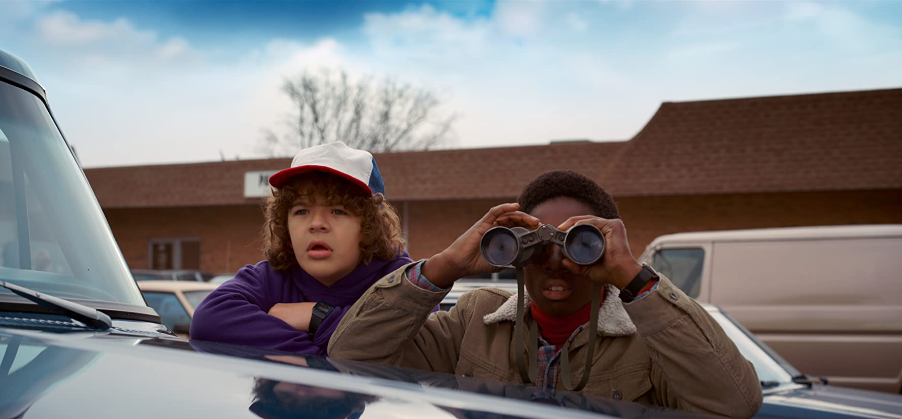 Stranger Things S01E05 – Chapter Five: The Flea and the Acrobat, serial online subtitrat în Română