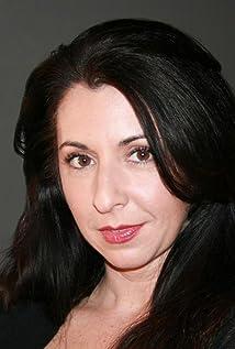 Michelle Ruff Picture