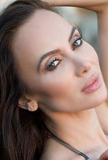 Aktori Yulia Klass