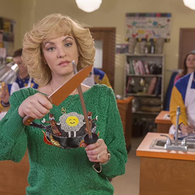 Wendi McLendon-Covey in The Goldbergs (2013)