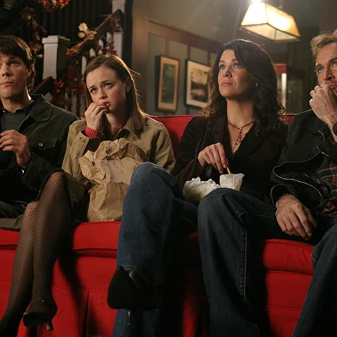 Alexis Bledel, Lauren Graham, Jared Padalecki, and Scott Patterson in Gilmore Girls (2000)