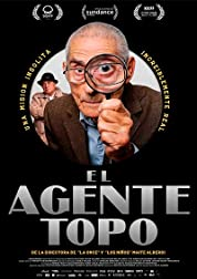 The Mole Agent (2020) poster