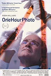 One Hour Photo (2002) Poster - Movie Forum, Cast, Reviews