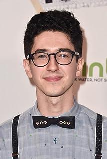Aktori Brendan Calton