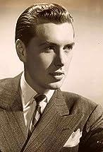 Robert Hutton's primary photo