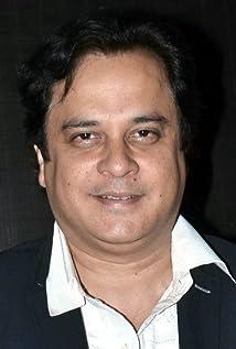 Aktori Mahesh Thakur