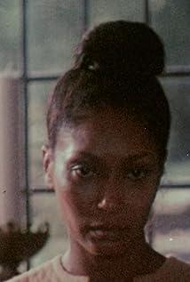 Aktori Marlene Clark