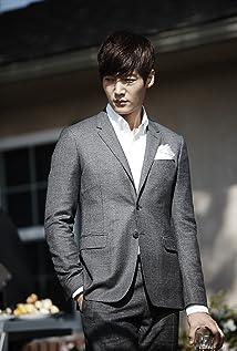 Aktori Choi Jin-Hyuk