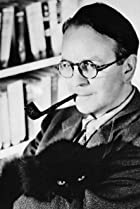 Image of Raymond Chandler