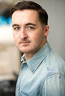 Aktori Adam DeCarlo