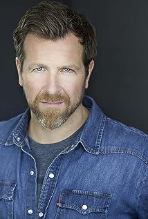 Aktori Christopher Rosamond