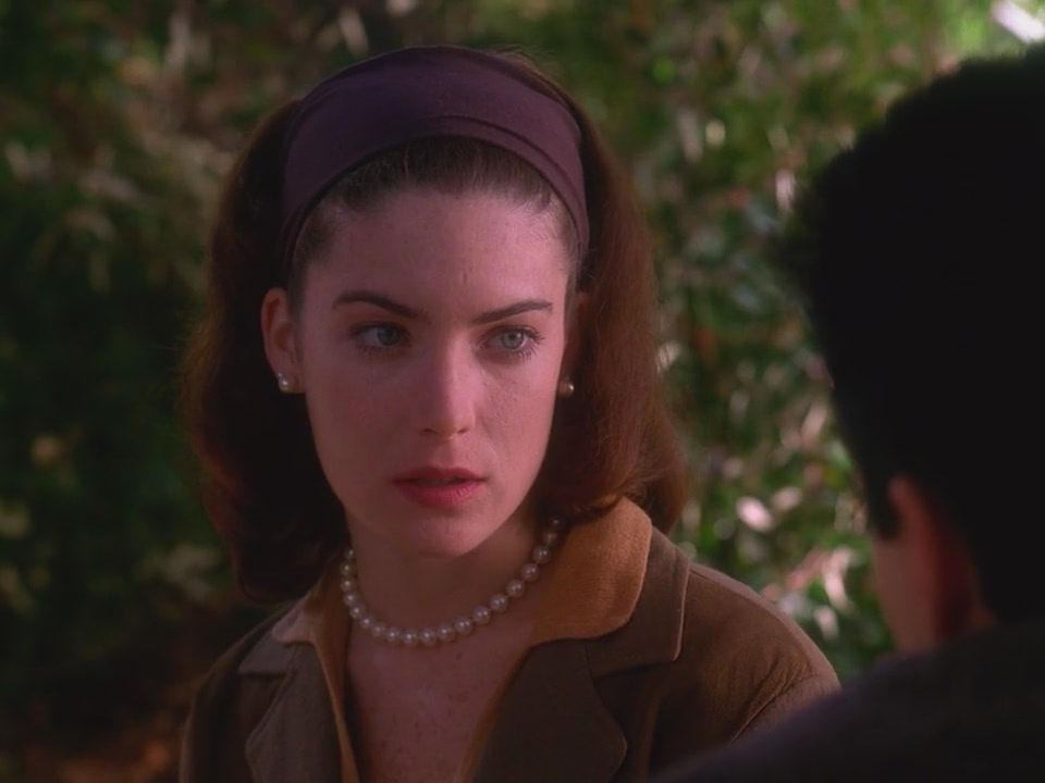 Twin Peaks S02E03 – The Man Behind the Glass