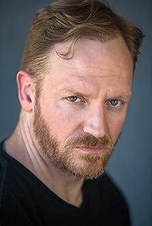Aktori Tom Glynn