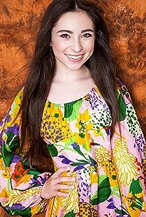 Aktori Ava Cantrell