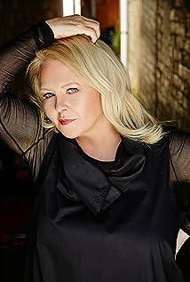 Aktori Denise Roberts