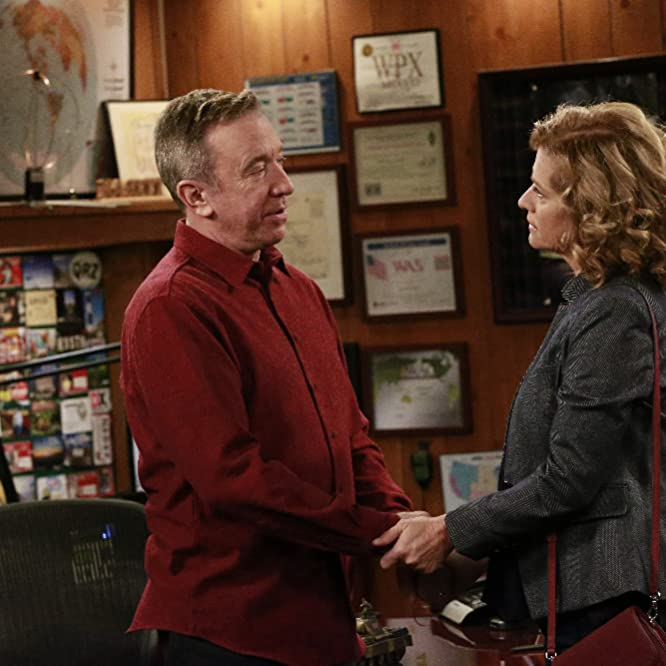 Tim Allen and Nancy Travis in Last Man Standing (2011)