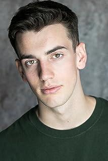 Aktori Leon Finnan
